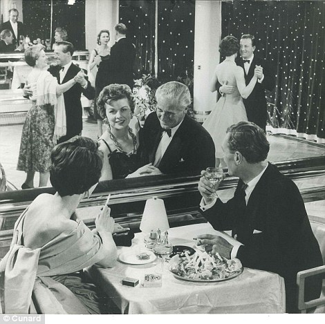 26C3FC8B00000578-3000444-Late_night_dancing_in_the_Queen_Mary_s_Verandah_Grill_On_May_27_-a-60_1426863818910