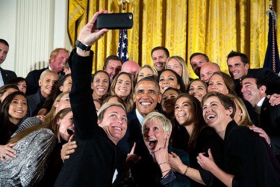 Obama-womens-soccer-e1460558140697