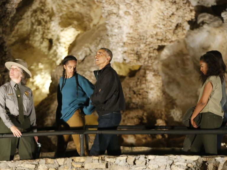636017911264708995-MAIN-OBAMA-CAVERNS-2