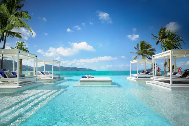 Aquazure-swimming-pool-at-one-and-only-hayman-island-resort-conde-nast-traveller-10feb16-pr_639x426