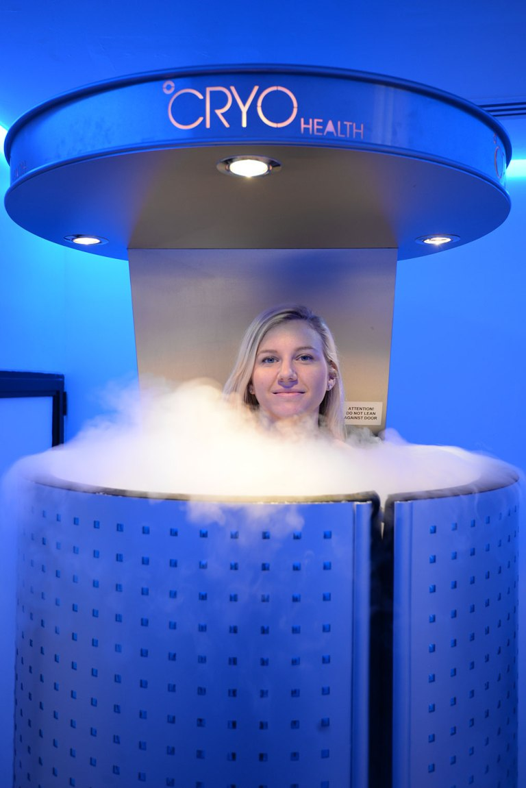 LAFitness-cryotherapy-chamber-CryoHealth.ActiveLife